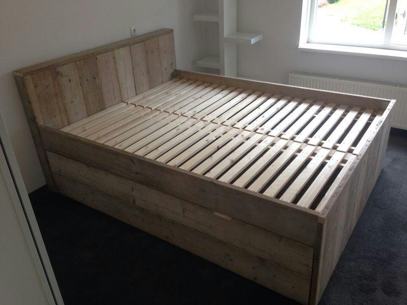 bed oud steigerhout 180 x 200