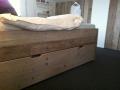bed oud steigerhout met 2 lades