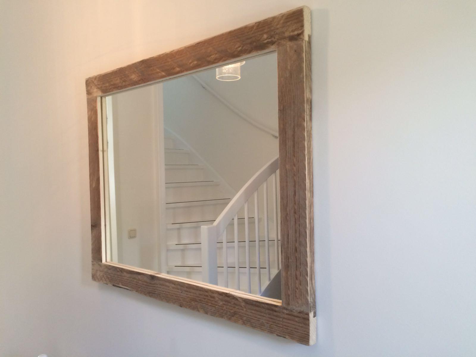 Spiegel met lijst oud steigerhout