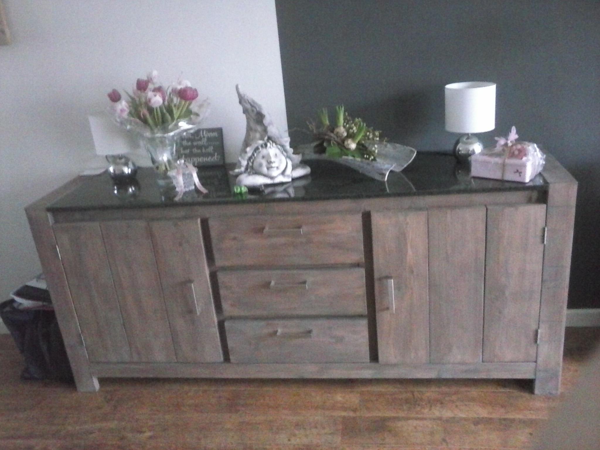 dressoir van nieuw steigerhout gebeitst