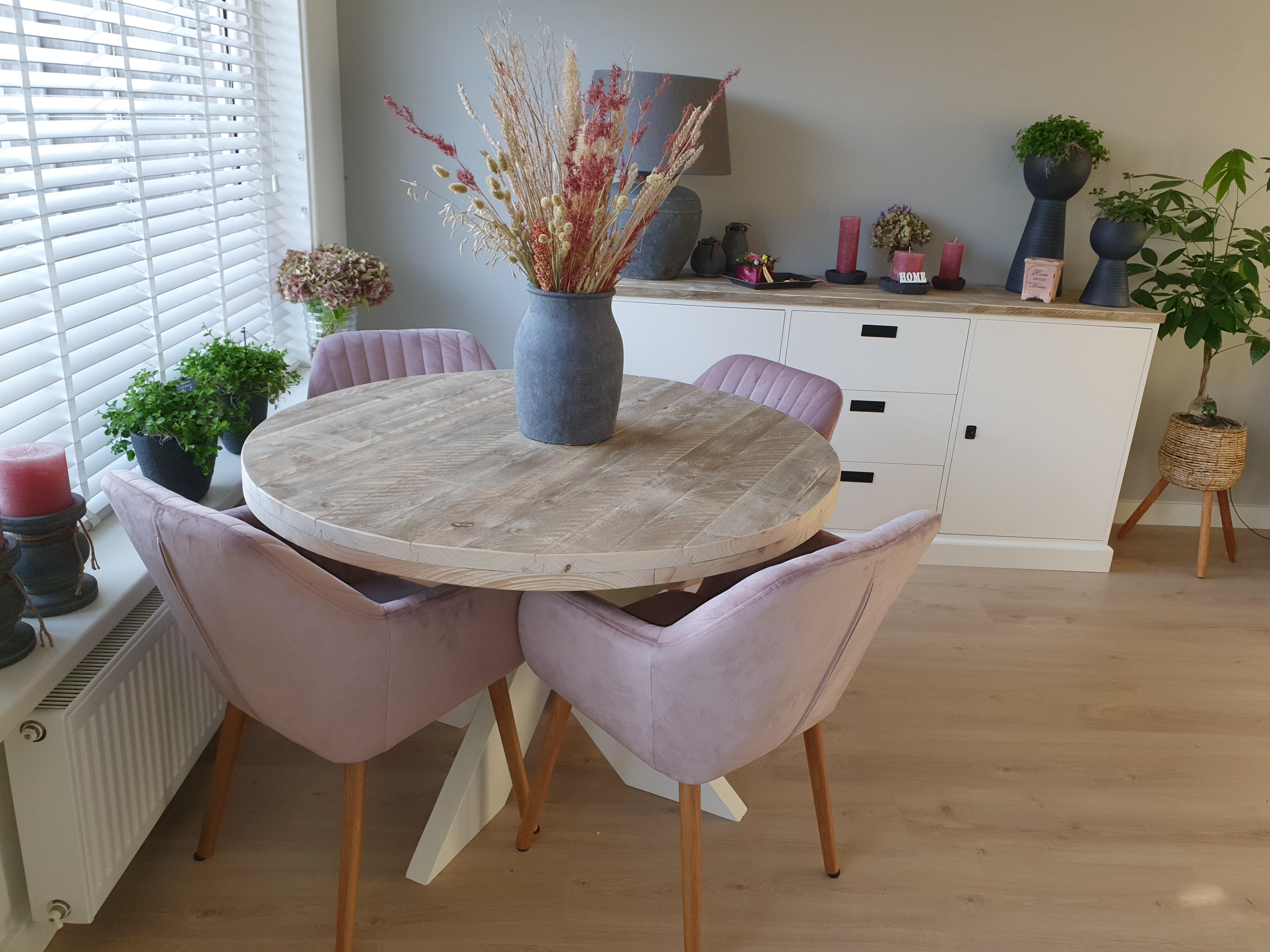 Dressoir-en-tafel-Elina