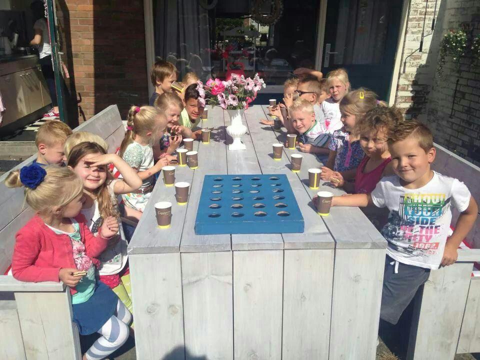 Tuinbanken met tafel nieuw steigerhout gebeitst